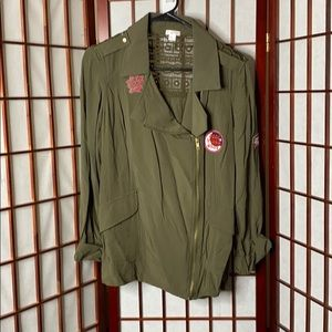 Small army green patch work zip up